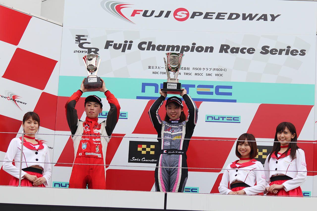 スーパーFJ富士シリーズ第1戦で優勝した村松日向子