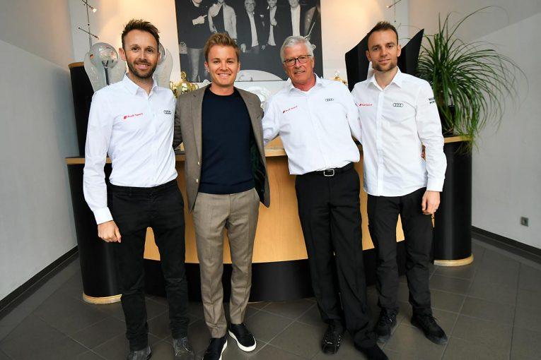 Blog | DTM開幕直前! アウディチーム発表会&ファクトリーを連続訪問(2)ニコと一緒に見学するチーム・ロズベルグ