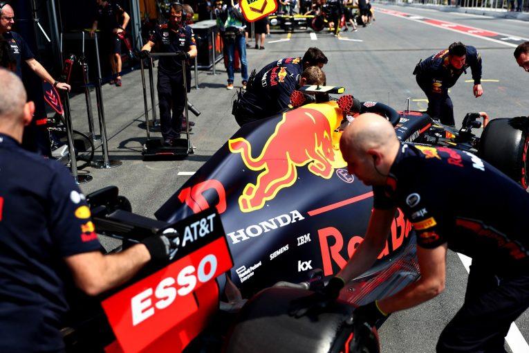 F1   レッドブル・ホンダのガスリーに決勝ピットレーンスタートの厳罰。FIA重量測定の指示に従わず