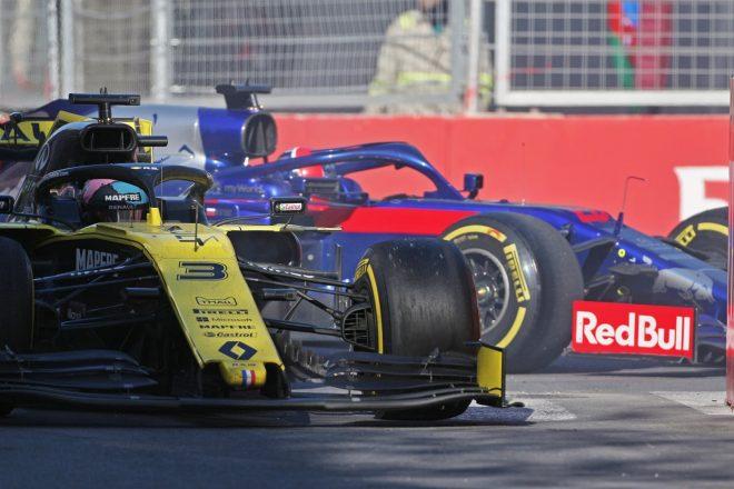 2019年F1第4戦アゼルバイジャンGP ダニエル・リカルド(ルノー)がダニール・クビアト(トロロッソ・ホンダ)にヒット