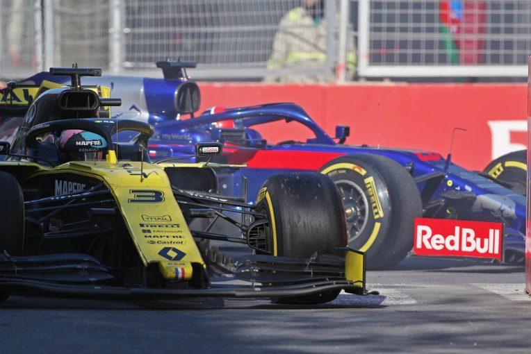 F1   クビアト、リカルドにヒットされ入賞圏内からリタイア「彼にバックミラーを買ってあげることにするよ」:トロロッソ・ホンダ F1アゼルバイジャンGP日曜