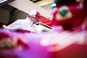 F1 | ライコネン、ピットレーンスタートから入賞「タイヤに苦労し続けながら、今日可能な最大の結果を出した」:アルファロメオ F1アゼルバイジャンGP日曜