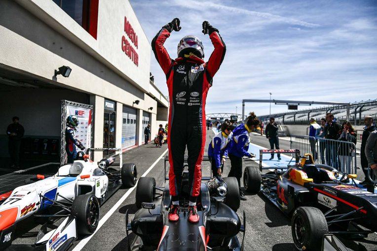 海外レース他 | 佐藤万璃音、ユーロフォーミュラ・オープン開幕戦レース2で優勝。角田裕毅も2位表彰台