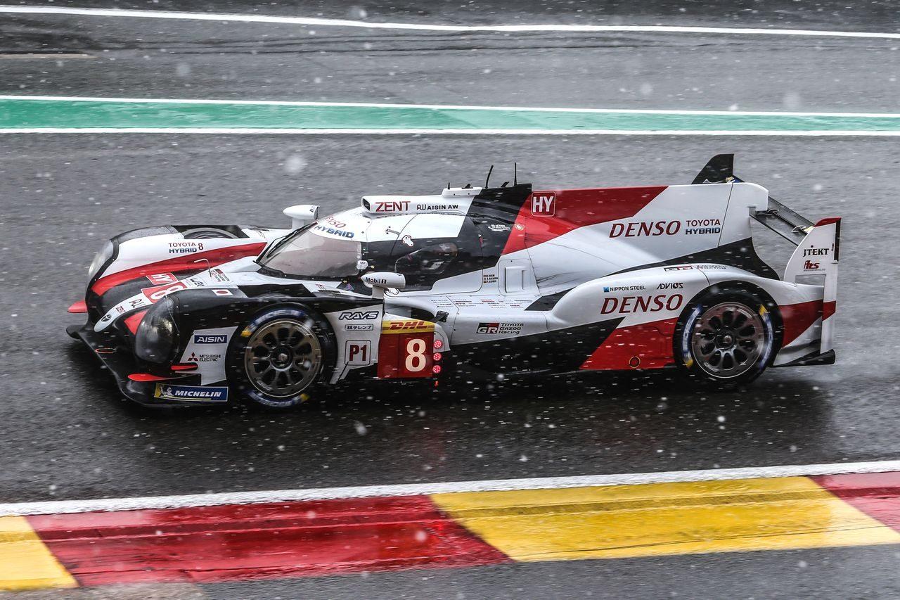 吹雪のち晴れ時々雨! 前代未聞の難レースをトヨタ8号車が制しチームタイトル決める/WECスパ決勝