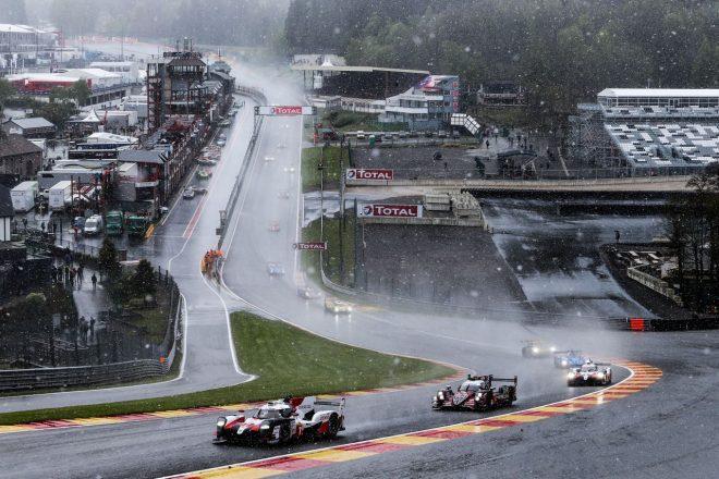 晴天で迎えたスタートから直後に雨と雪が降り、その後再び晴れたものの、レース終盤にまた吹雪。しかし、表彰式には晴れ間が差すなどスパらしい天気に翻弄された決勝日だった