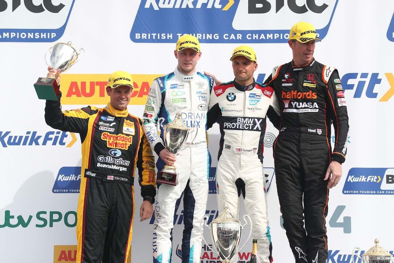 BTCC第2戦:新型トヨタ・カローラが初勝利。王者のBMW330iも2連勝