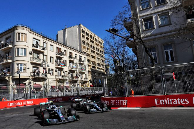 2019年F1アゼルバイジャンGP ルイス・ハミルトンとバルテリ・ボッタス(メルセデス)