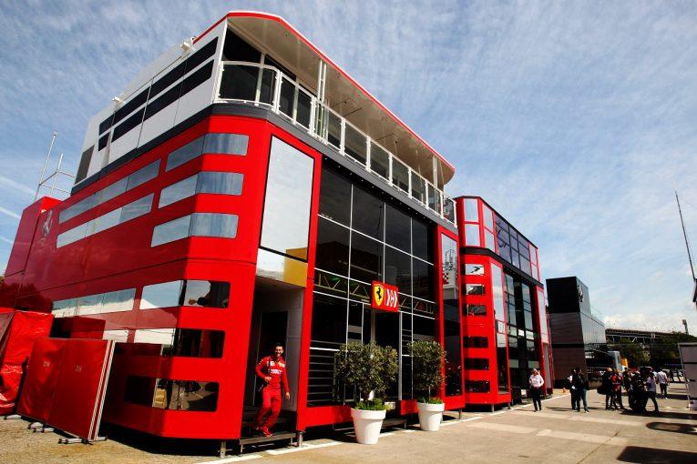 F1   フェラーリF1のアップグレード版パワーユニットを使用するのはワークスチームのみ。ハースとアルファロメオはモナコ以降に見送り