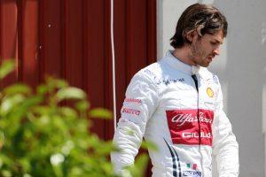 F1 | ジョビナッツィ「楽な週末ではなかったが、タイトな中団に加わる力はある」アルファロメオ F1スペインGP日曜
