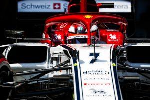 F1   ライコネン予選14番手「今週末の自己ベストタイムを出したが、それでも全然速くない」:アルファロメオ F1スペインGP土曜