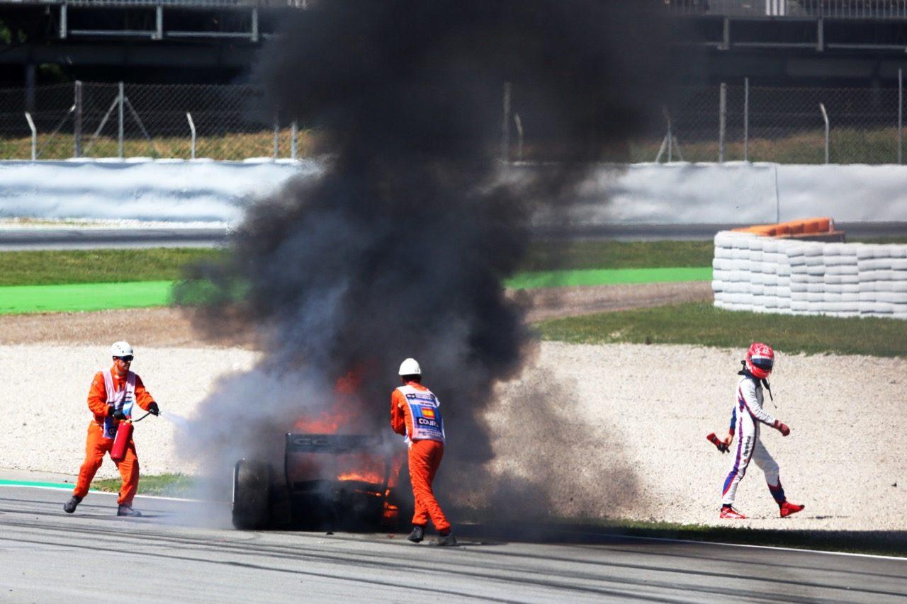FIA-F2第3戦スペインレース2:デ・フリースが逆転でシーズン初優勝。松下はアクシデント発生