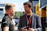 2019年F1第5戦スペインGP ケビン・マグヌッセン(ハース)、元F1ドライバーのマーク・ウェバー