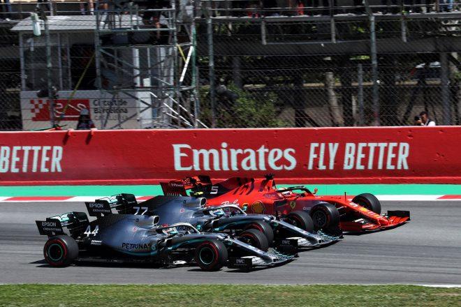 2019年F1第5戦スペインGP 決勝スタート直後に並んだハミルトン、ボッタス、ベッテル