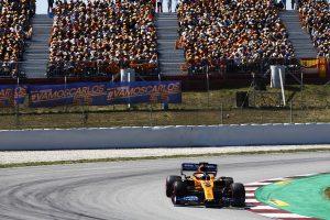 F1 | サインツJr、母国で8位「激戦の末のポイントフィニッシュ。応援してくれたファンの皆に感謝したい」:マクラーレン F1スペインGP日曜
