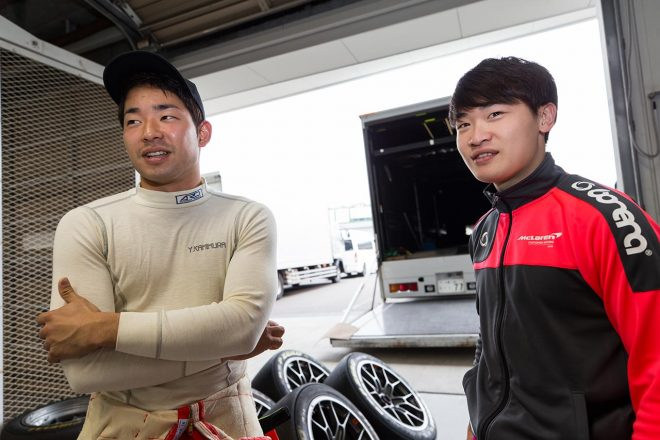 apr with ARN Racingの上村優太とMclaren Customer Racing Japanの阪口晴南