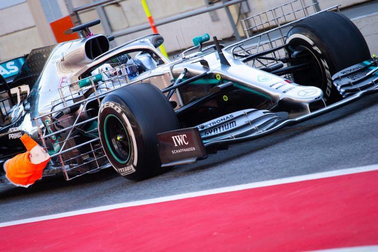 F1 | メルセデスがトップ、フェラーリの若手アイロットがクラッシュ/F1バルセロナテスト1日目