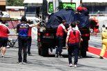 2019年F1バルセロナ・インシーズンテスト1日目 カラム・アイロット(アルファロメオ)がクラッシュ