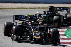 F1 | F1スペインGPでグロージャンと激しいバトルを演じたマグヌッセン、接触は「小さな判断ミス」と主張