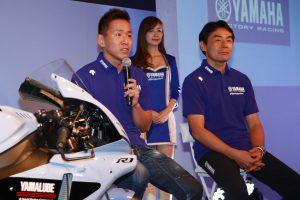MotoGP | 会場に登場した中須賀克行と吉川和多留監督