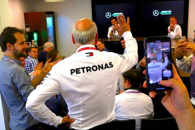 スペインGPを最後にダイムラーCEOを退任するディーター・ツェッチェ