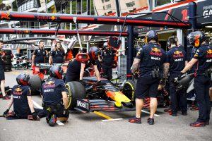 2019年F1第6戦モナコGP水曜 ピットストップ練習をするレッドブル