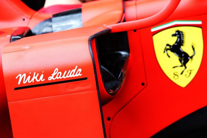2019年F1第6戦モナコGP フェラーリSF90に記された「ニキ・ラウダ」の文字