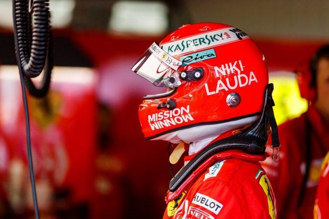 2019年F1第6戦モナコGP セバスチャン・ベッテル(フェラーリ)、ラウダ追悼デザインのヘルメットを使用
