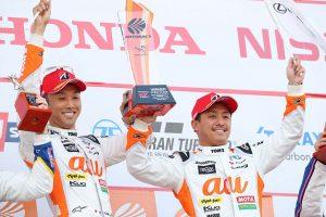 スーパーGT | au TOM'Sの関口雄飛「速さと戦略の組み立てができた最高のレース」/GT500優勝会見