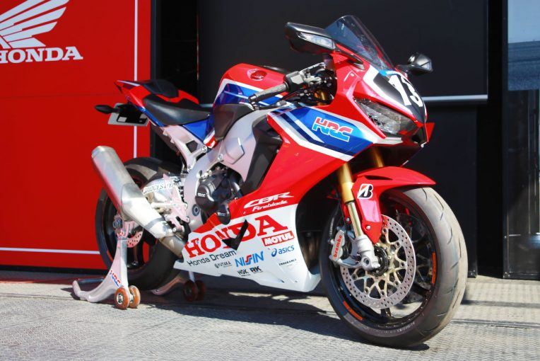 MotoGP | 0.002秒差の劇的な結末となったST600。気になる市販車両の展示も/全日本ロード第3戦トピックス