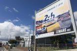 ル・マン/WEC | ル・マンに現れた急造ピットに運営広報も仰天! 1コーナーには鈴鹿のロゴも【WEC現地ブログ1回目】