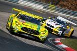 VLNニュルブルクリンク耐久レースを戦うメルセデスAMG GT3