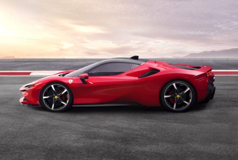 クルマ | フェラーリ初のPHEVモデル『SF90ストラダーレ』発表。3モーターハイブリッドで最高1000馬力に