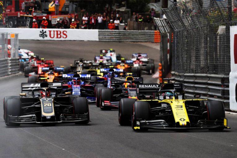 F1 | リカルド「ピットストップは正しいタイミングではなかった」と認める。序盤のポジションアップも実らず