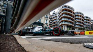 F1 | メルセデスF1のストラテジスト、あと1周レースが長かったらハミルトンは負けていたと戦略の誤りを認める