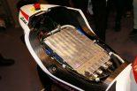MotoGP | シート下に格納されたインバーター