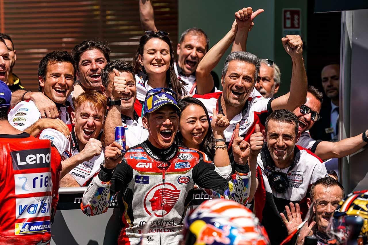 中上、MotoGPイタリアGPで自己ベスト5位獲得。「グランプリに来てから一番いいレース」と笑顔