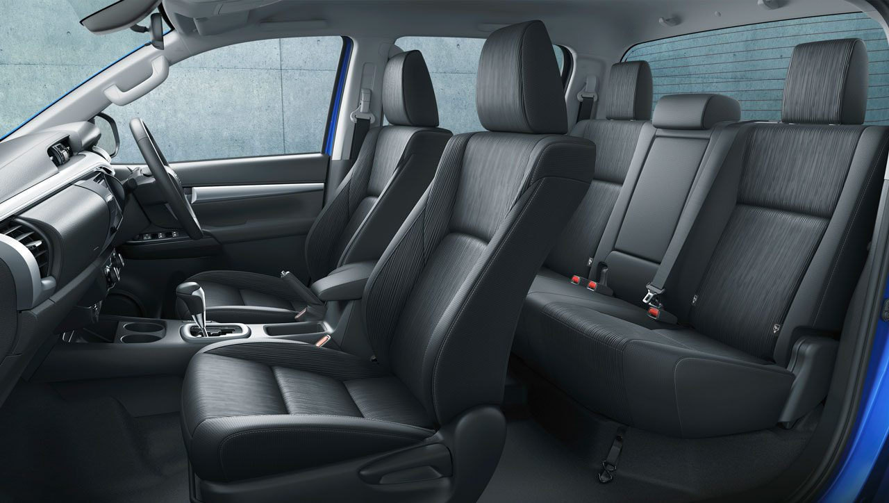 トヨタ、『ハイラックス』を一部改良。安全装備の向上に加え、リヤデフロックが全車標準に