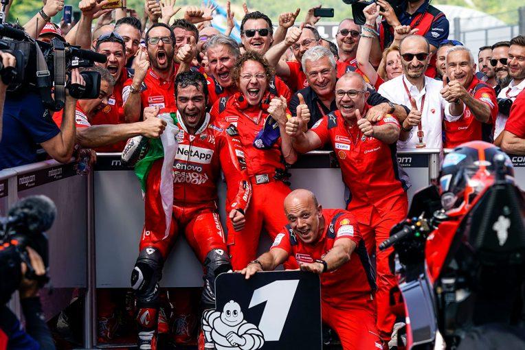 MotoGP | MotoGPで異質なキャリアを持つドゥカティワークスのペトルッチ。8年目で掴んだ初勝利をライバルも祝福
