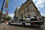 積載車で運ばれるポルシェGTチームの91号車ポルシェ911 RSRが
