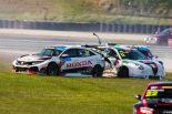海外レース他 | TCRオーストラリア第2戦:アルファ初勝利もTボーンの波乱。バサースト勝者も夫婦で接触