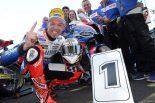 2019マン島TTスーパーストッククラスで3勝目を獲得したピーター・ヒックマン(Smiths Racing BMW)