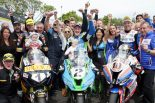 2019マン島TT最後のレース、シニアクラスで表彰台を獲得したヒックマン、ハリソン、カミンズ