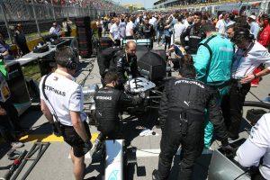 F1 | メルセデスF1、ハミルトンのマシンに発生したオイル漏れの詳細を特定。「出走できないリスクがあった」