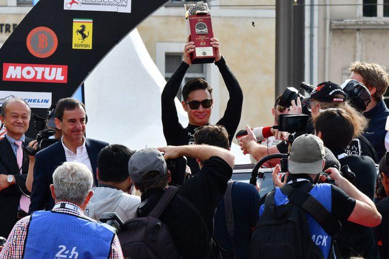 ル・マン/WEC | ル・マン24時間:恒例のドライバーズパレード開催。日本人選手たちもパレードを楽しむ