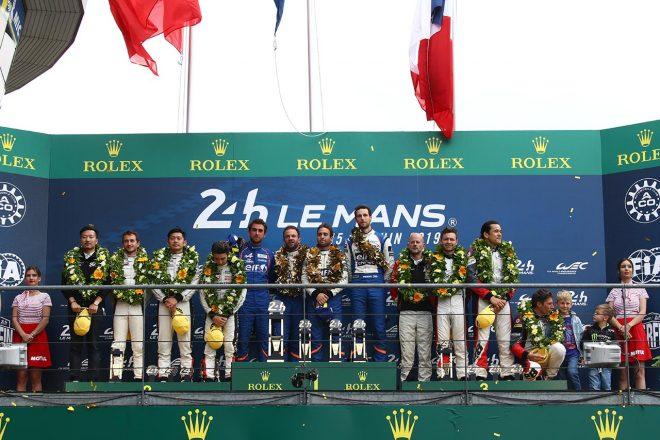 LMP2の表彰台