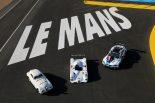 BMWの歴代ル・マンカー。左からBMW 328ツーリング・クーペ、BMW V12 LMR、BMW M8 GTE