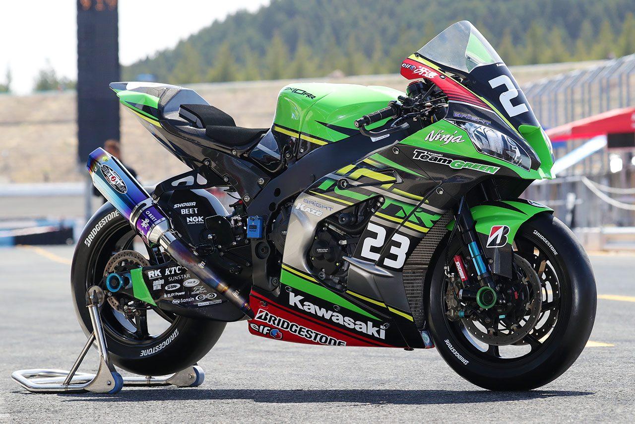 Kawasaki Team GREENのカワサキNinja ZX-10RR 2019年仕様(右フロント)