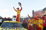 海外レース他 | NASCAR第15戦:荒天順延のミシガン戦でフォードのロガーノがキャリア通算23勝目