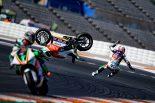 初日に転倒を喫したランディ・ド・プニエ(LCR Eチーム)は2日目にも転倒を喫したが模擬レースには出走している。