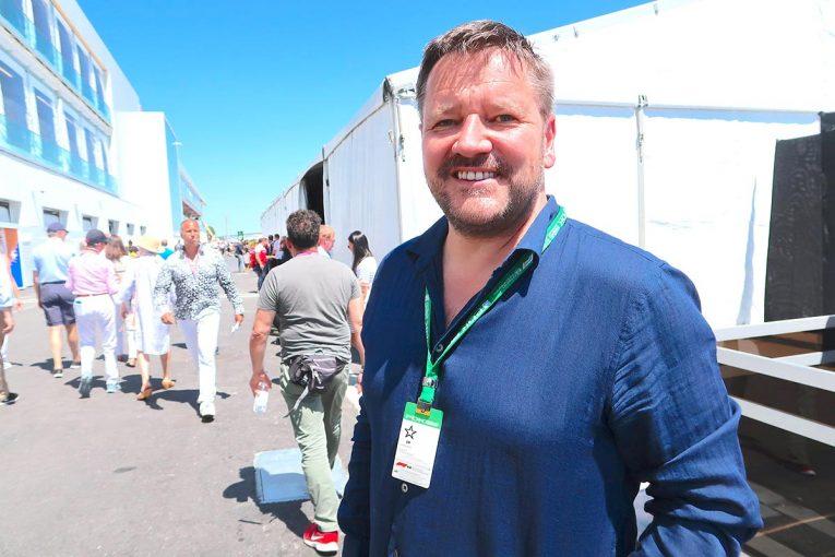 F1 | 【あなたは何しに?】独立した元ピレリ・モータースポーツ責任者がカナダGPに訪問。F1界での仕事を模索中か